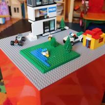 Impromptu Project: DIY Lego Table