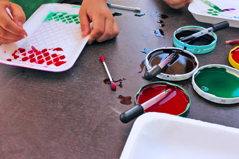Easy Art Activities for Kids: Styrofoam Patterns | BABBLE DABBLE DO |Recycle Styrofoam trays to create a simple activity exploring color and pattern