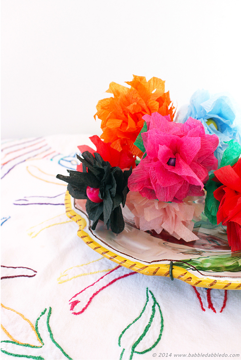 How to make paper flowers in 5 minutes using crepe paper learn how to make paper flowers in 5 minutes mightylinksfo