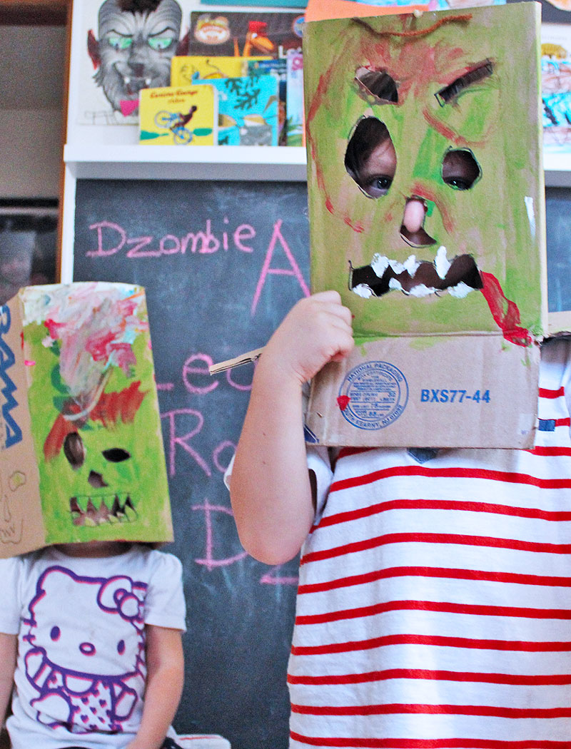 Easy DIY last minute halloween costumes: BOX MONSTERS