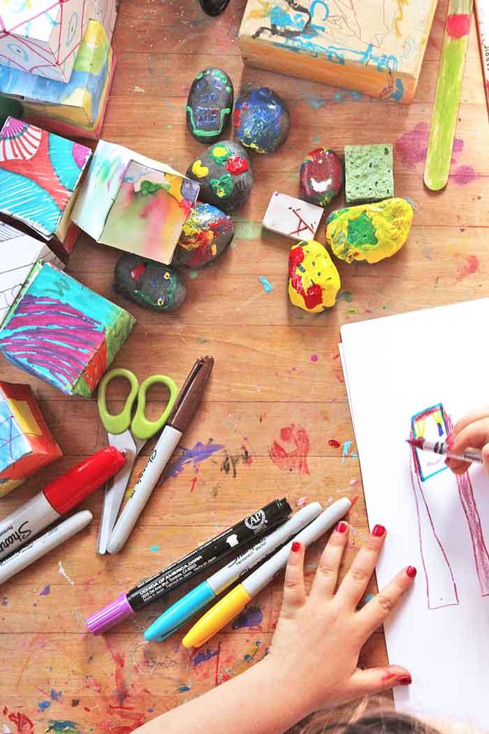Home-art-studio-for-kids--detail-2